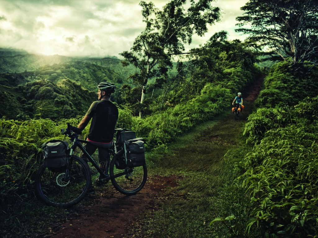 Thule Pack ´n Pedal Adventure Touring Pannier Lifestyle 2014_0